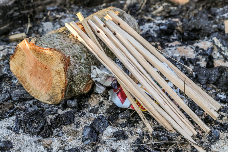 how to start a campfire lean-to fire